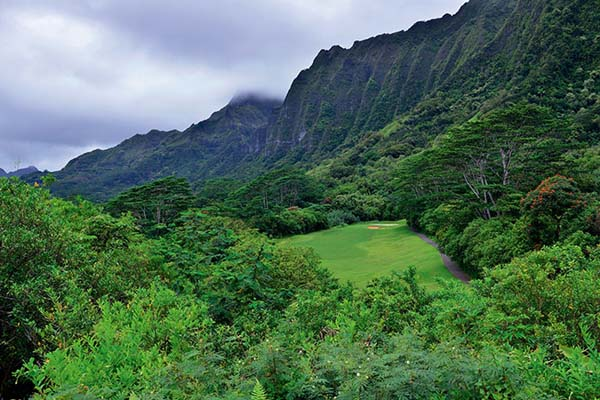 科奥劳高尔夫俱乐部就坐落在科奥劳山南段的半山腰