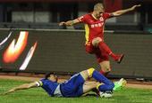 中超图:亚泰2-0阿尔滨 雷泽克突破