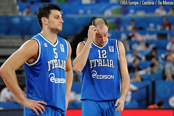 意大利球员失望
