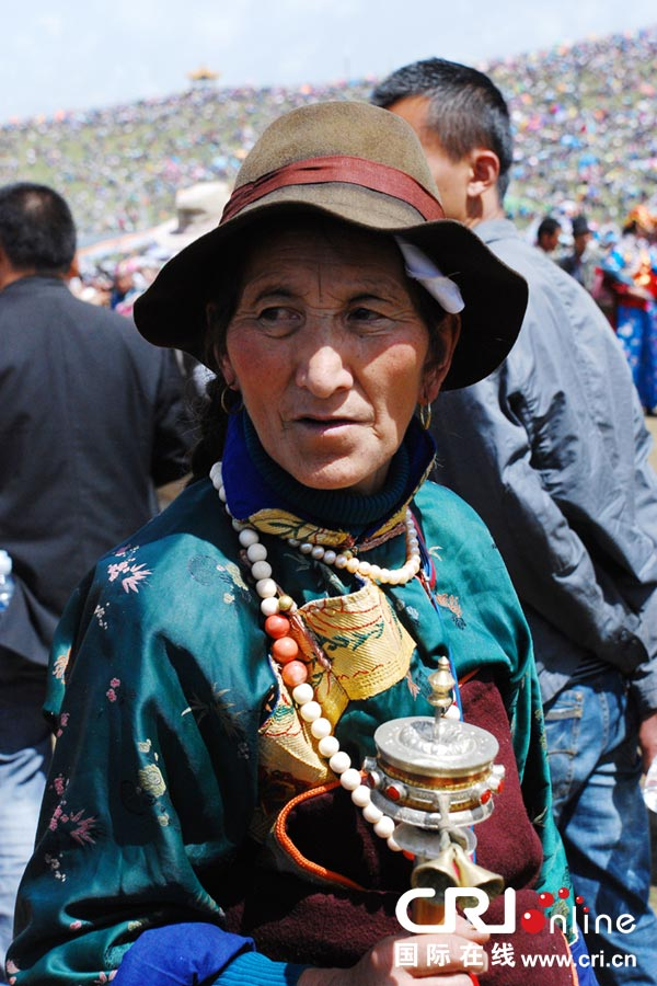 多姿多彩的甘南藏族服饰 藏族传统文化的传承与发展