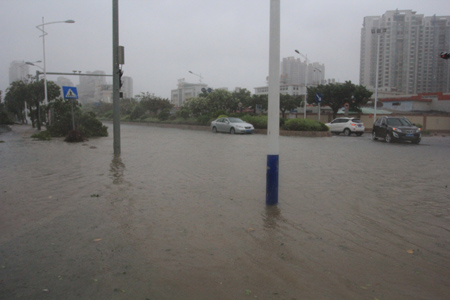 汕头城区严重受浸 已救出154受困群众