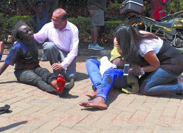 肯尼亚游街 公捕公判游街图片
