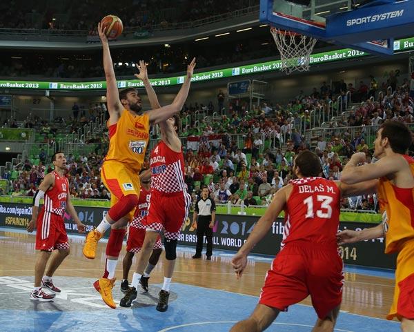 图文:[欧锦赛]西班牙胜克罗地亚 加索尔出手