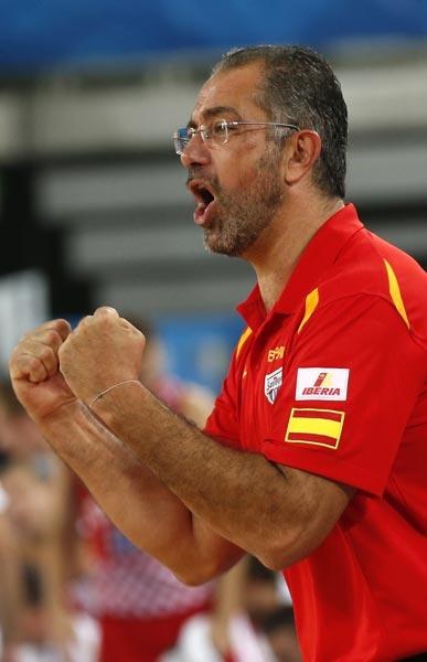 图文:[欧锦赛]西班牙胜克罗地亚 西班牙主帅激动