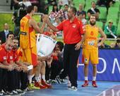 图文:[欧锦赛]西班牙胜克罗地亚 主帅握手