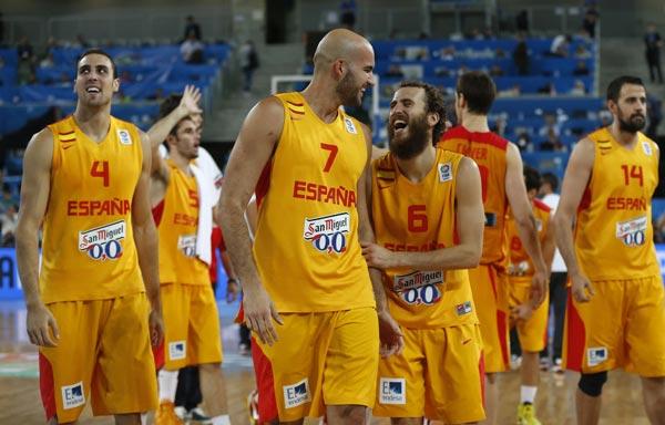 图文:[欧锦赛]西班牙胜克罗地亚 喜笑颜开