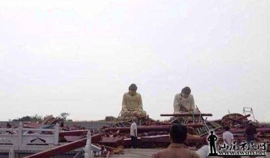 耗资近五千万元打造的两尊镇寺大佛在风灾中亦不能幸免。