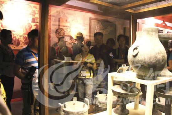 网络媒体记者参观采访齐文化历史博物馆,领略齐国文化.见...