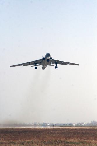 資料圖:中國空軍裝備的轟六型轟炸機。