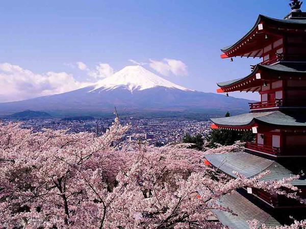 果然,留给外国人最深印象的日本风景,还是当属富士山.
