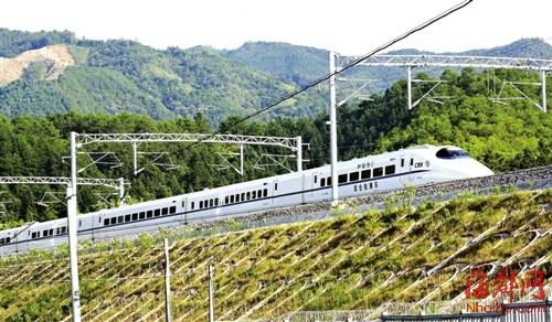 向莆铁路开通后,将影响客运、航空运输(本报资料图)