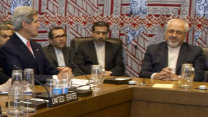 美国国务卿克里与伊朗外长扎里夫26日在联大边缘会议上举行会晤。