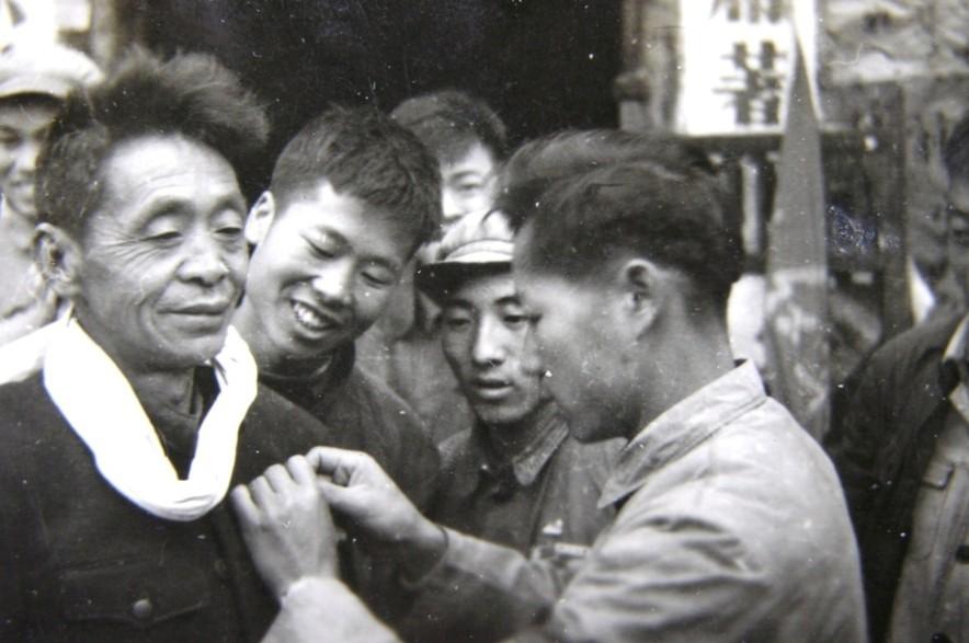 甘祖昌_开国少将甘祖昌:解放后竟主动退役做农民29年