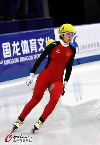 图文:短道速滑世界杯中国站 王�魍瓿杀热�