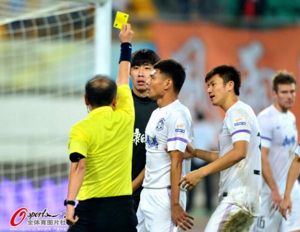 中超图:人和0-1泰达 杨启鹏被黄牌警告
