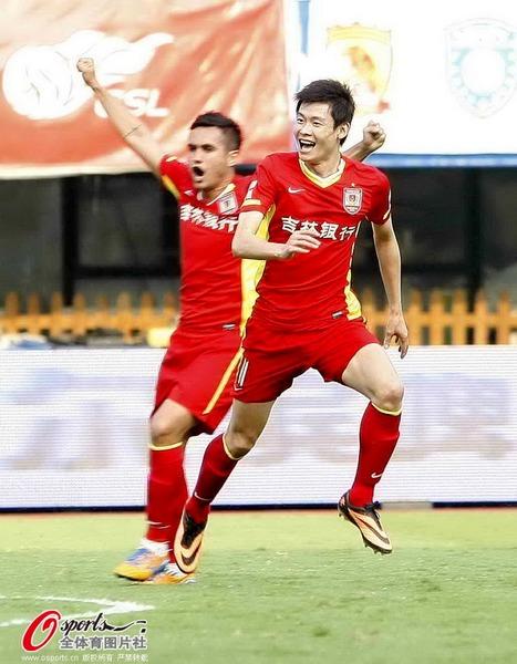 中超图:申鑫0-1不敌亚泰 张文钊狂喜