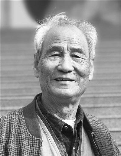 """枫树倒下!91岁""""七月""""诗人牛汉逝世"""
