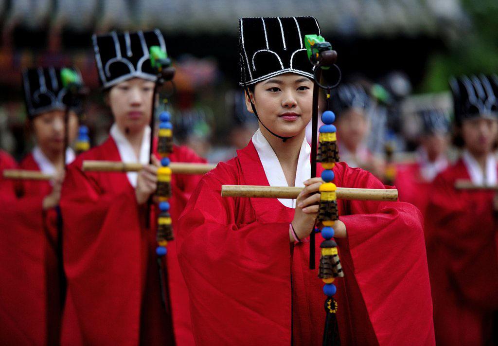 韩国成均馆举行释奠大祭 纪念孔子诞辰2564
