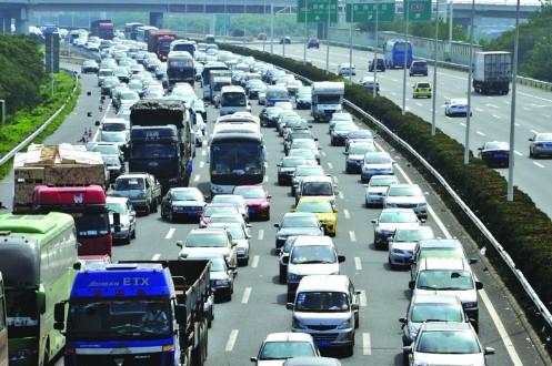 首日高速流量近百万 苏州全警备战长假车流量