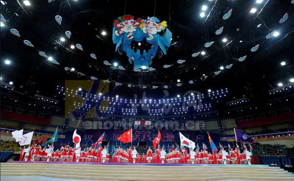 东亚会_图文:东亚运动会开幕式彩排 场馆上空的吉祥物-搜狐体育