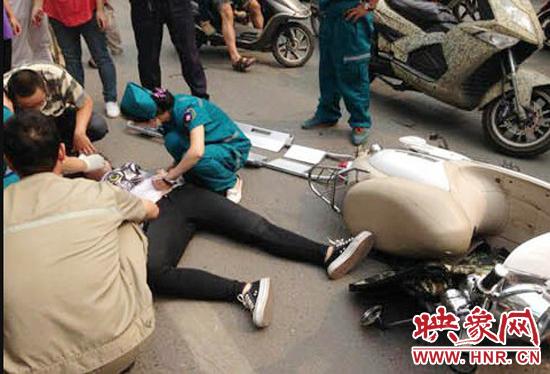 郑州18岁高中女生骑电动车开颅昏迷手术摔伤的安庆女生图片