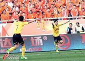 中超图:鲁能2-4恒大 荣昊兴奋欢庆破门