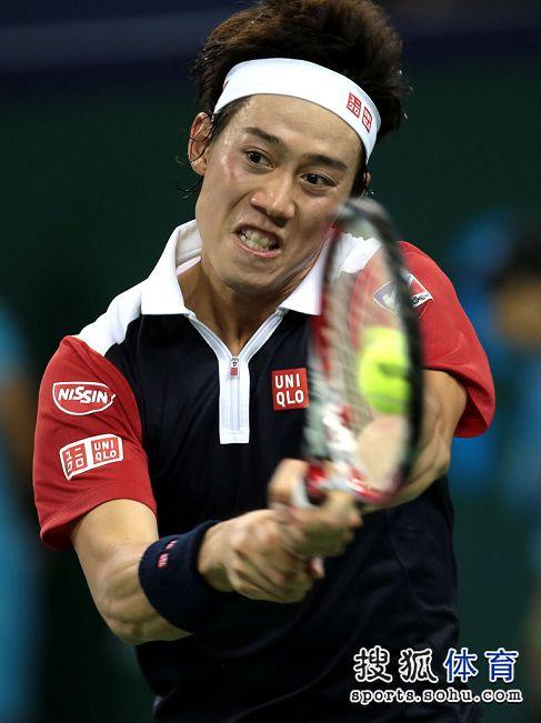 图文:上海赛锦织圭晋级次轮 锦织圭表情专注