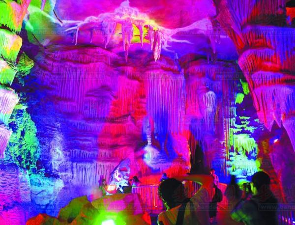 泰安地下大裂谷。 图片由景区提供