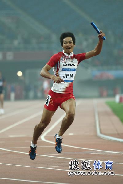 图文:东亚运男子4X100接力 日本队夺得冠军