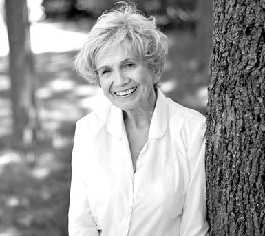 82岁的加拿大短篇小说家爱丽丝-门罗