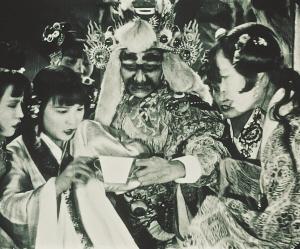 我操盘丝绒洞是什么_挪威发现中国早期无声电影《盘丝洞》(图)