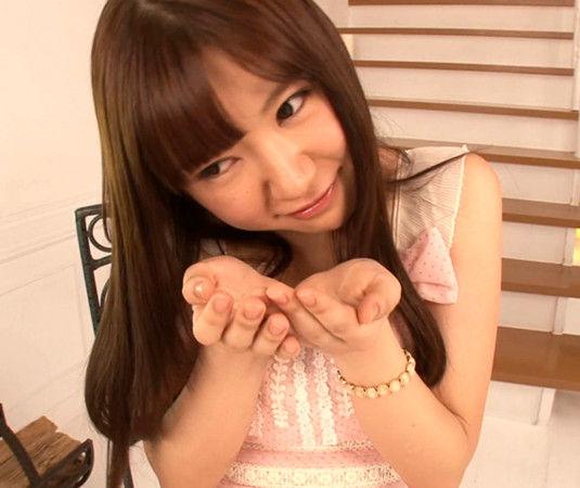 橘梨纱撸�9�_日本明星    据台湾媒体报道,akb48的成员中西里菜,橘梨纱先后进入av