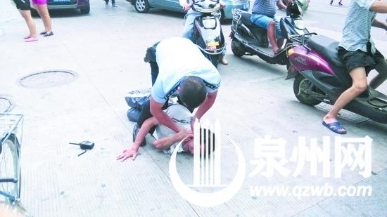 泉州 5旬老汉穿校服扮学生 偷自行车遇失主被逮