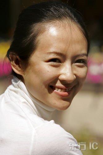董卿素颜照片_Angelababy赵薇董卿 揭真人和照片差最大的女星(图)-搜狐滚动