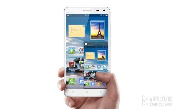 it数码新闻滚动_搜狐资讯    显然,这是一个为大屏幕手机而生的设计.