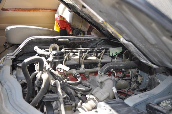 蒙派克s配备的福田康明斯isf2.8s4129p高压共轨涡轮增压柴高清图片
