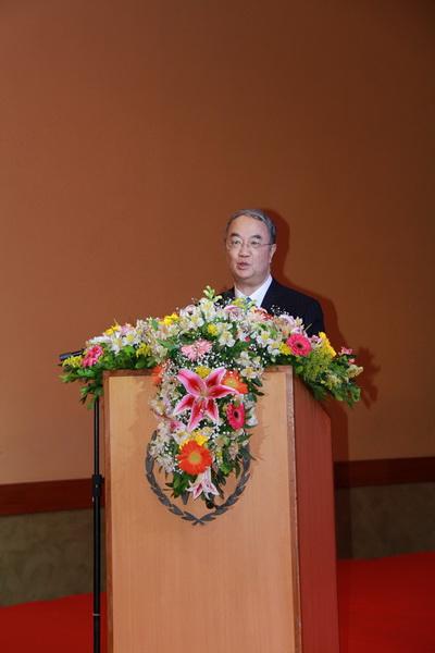 第十一届全国人大常委会副委员长、中国和平统一促进会副会长桑国卫在开幕式上致辞 记者 王海林摄