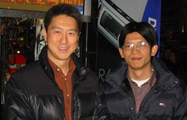 2003年搜狐COO古永锵(左)与蔡宗建(右)合影