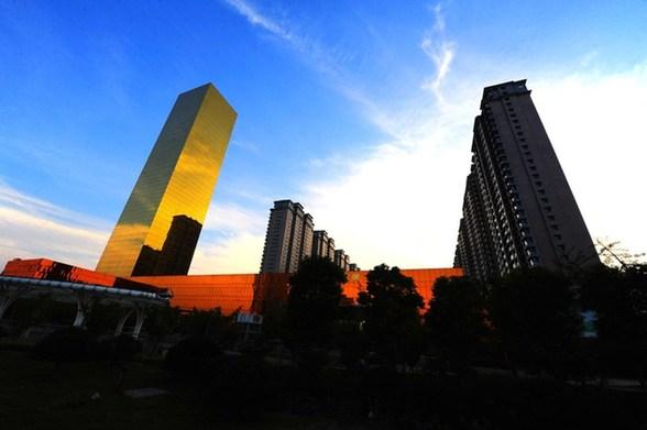 江苏海安投资超15亿建200米高金色酒店(组图)
