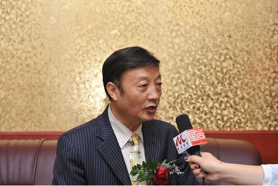 中国老年产业联盟委员会会长林清泉接受媒体采访图片