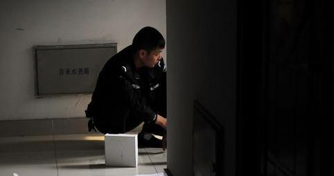 合肥女生30楼坠亡挂到电线女孩服被扯掉(上衣内衣图片脱组图图片