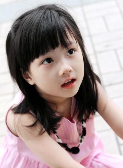 日本拍写真的小女孩有吗_小萝莉这个词汇最早出自日本动漫,形容一些可爱的小女孩.