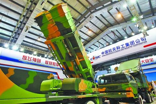 这是2012年11月17日第九届中国国际航空航天博览会公众开放日上展示的