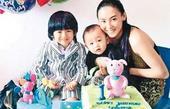 张柏芝携两子自加拿大返港 Lucas旷课一月