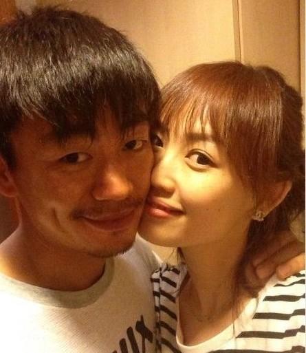 王宝强与娇妻合影(资料图)