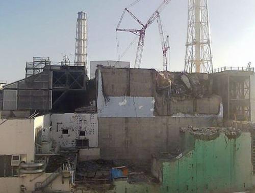 遭损毁的福岛核电站,其核污水泄露速度至少要到2015年才能慢下来。