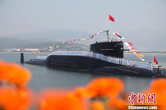 中国海军战略导弹核潜艇英姿。 李唐 摄