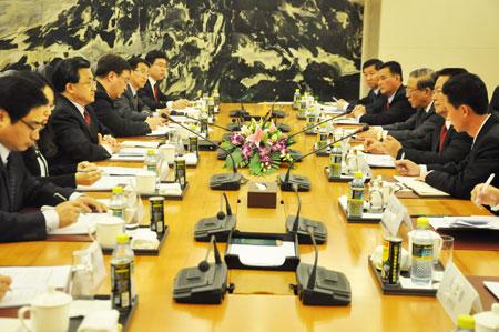 外交部副部长刘振民与朝鲜外务省副相举行磋商