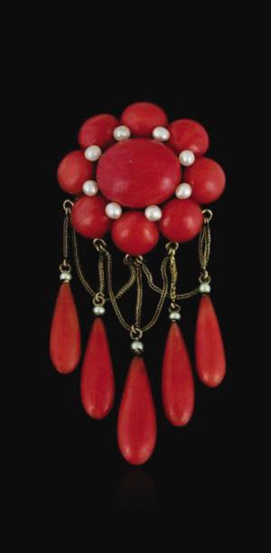 红珊瑚胸针