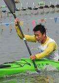 图文:全国青年皮划艇马拉松大奖赛 李振雨冲刺